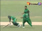 WEIRD RUN OUT     Mashrafe Mortaza Knocks Down Hashim Amla